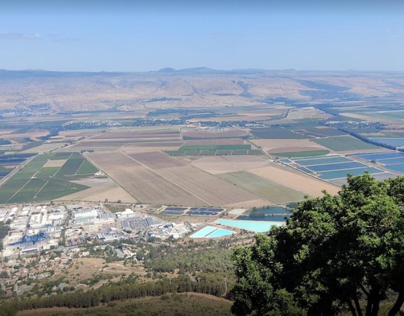 הנוף מצוק מנרה