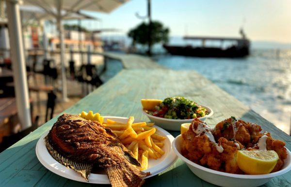 מפגש הדייגים – מסעדה כשרה וחנות דגים בנמל עין גב