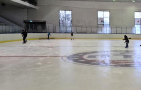 מרכז קנדה   החלקה על הקרח בגליל העליון